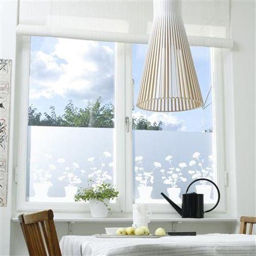 Vinilos adhesivos para decorar ventanas 3 decomanitas for Vinilos cristales ikea