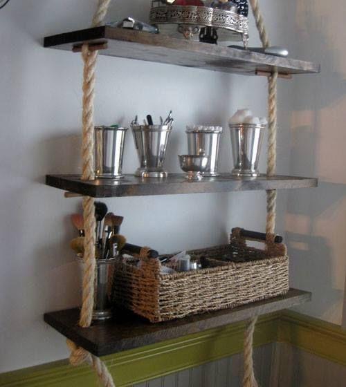 Estanterías colgantes DIY con cuerdas y madera | Decomanitas