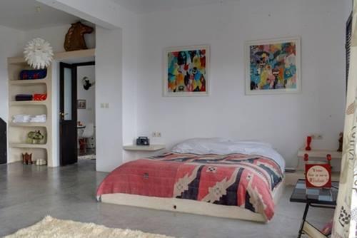 Una casa r stica de estilo marroqu con decoraci n retro - Decoracion arabe dormitorio ...