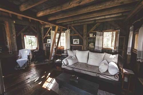 Genuina caba a de madera sobre los rboles para vivir - Casas de madera para vivir ...