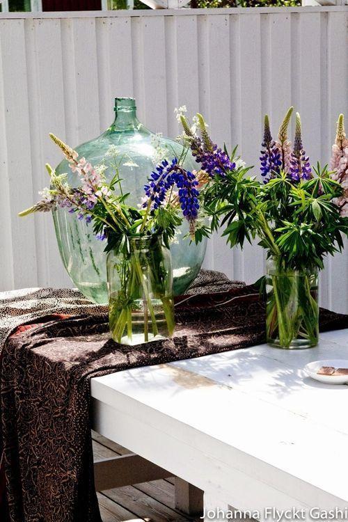 Jarrones con flores para decoraci n de interiores for Jarrones decorativos para jardin