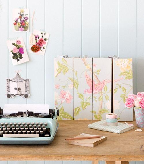 Ideas para decorar con papel pintado vintage decomanitas for Papel pintado vintage