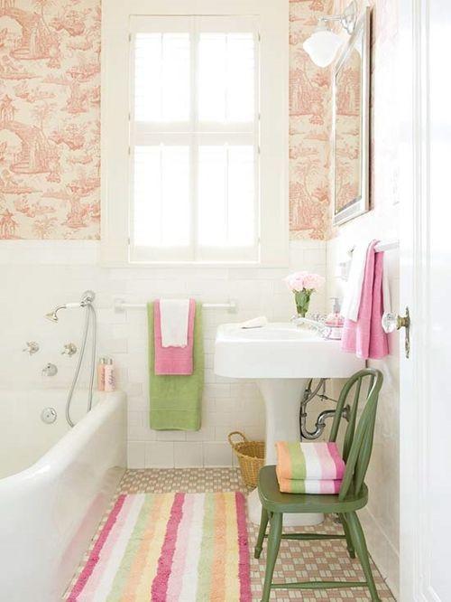 Decoraci n de cuartos de ba o peque os con ideas vintage - Cenefas para habitaciones ...