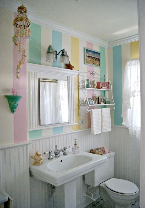 Decoraci n de cuartos de ba o peque os con ideas vintage for Decoracion vintage retro