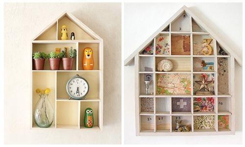 Ideas para decorar con una estantería casita de madera | Decomanitas
