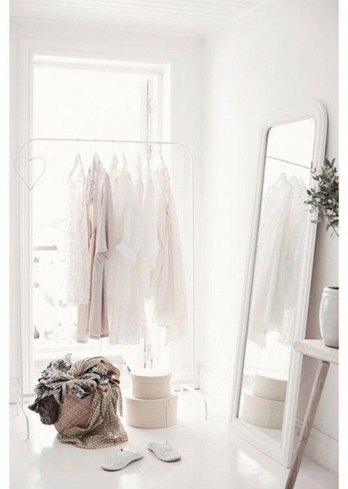 Burros para ropa los percheros a la vista 39 rompen 39 en - Espejos vintage ikea ...