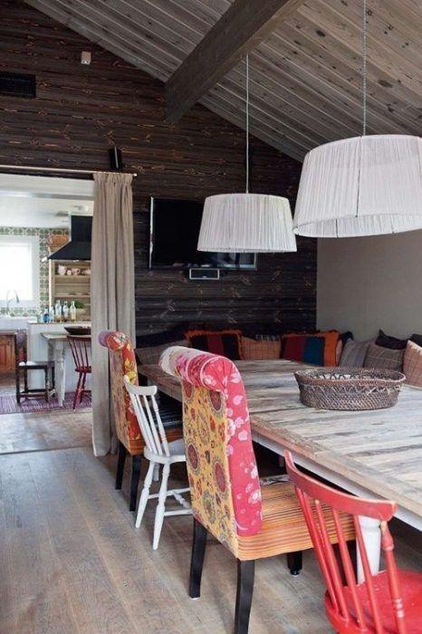 Casas con encanto un refugio revestido en madera con toques tnicos decomanitas - Casas de madera con encanto ...