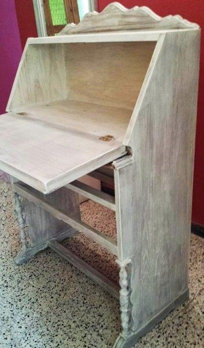 Muebles antiguos restaurados en blanco simple mesa auxiliar de castao restaurada lacada en - Pintar muebles antiguos en blanco ...
